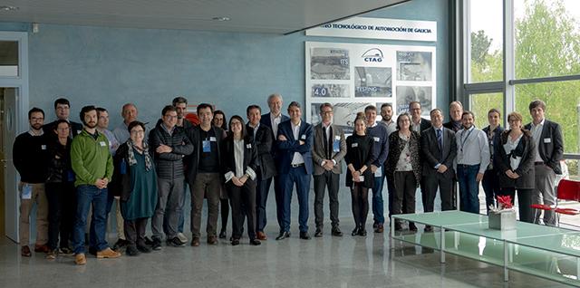Fotografía de los participantes en las instalaciones de CTAG